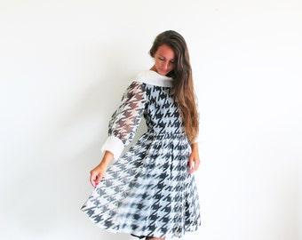 4a6ecb73da3a 1950s new look dress