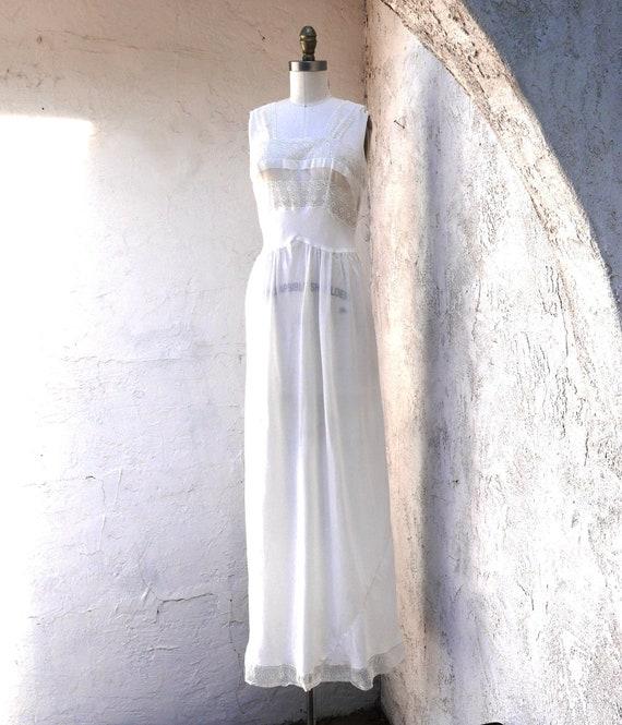 Vintage 1930's Nightgown, XX Small Honeymoon Linge