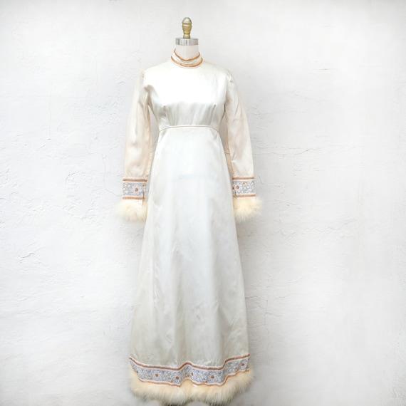 Winter Queen, XS 60s Wedding Dress