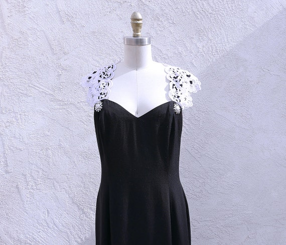Black Evening Gown, Size M, Sweetheart Neckline, J
