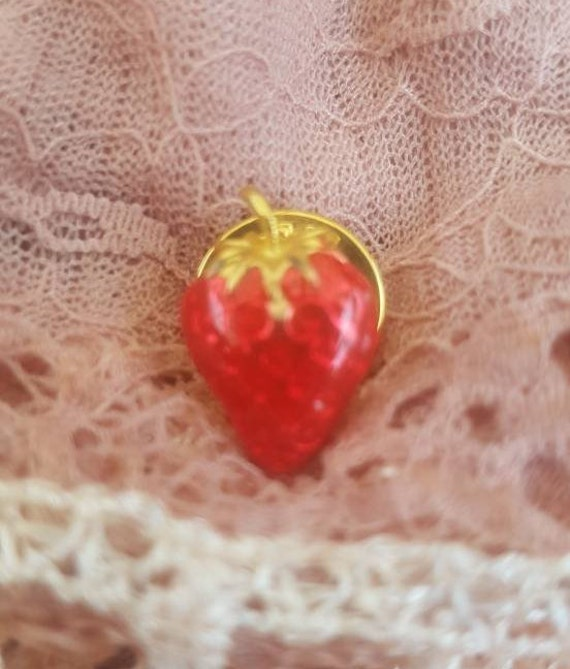 Vintage Strawberry Pin Brooch. Signed BALLOU. Gorg
