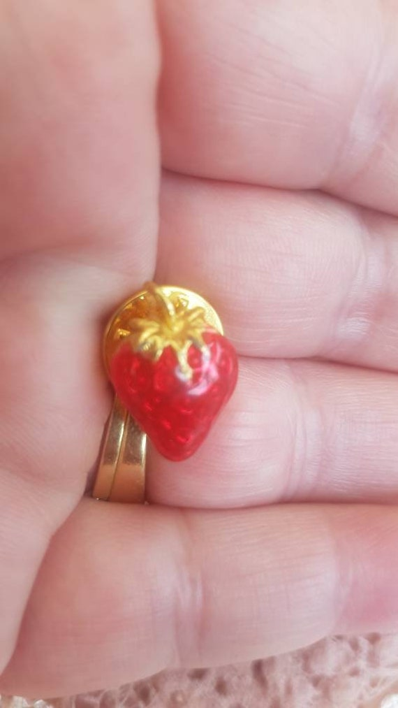 Vintage Strawberry Pin Brooch. Signed BALLOU. Gor… - image 4