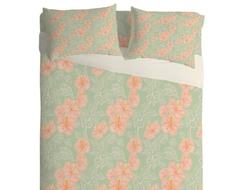 Pretty Pink Hibiscus Lightweight Sheet Set, Whimsical Spring Bedroom Decor, Bedroom Decor Gift for Mum, Mothers Day Gift Idea, Girls Bedroom