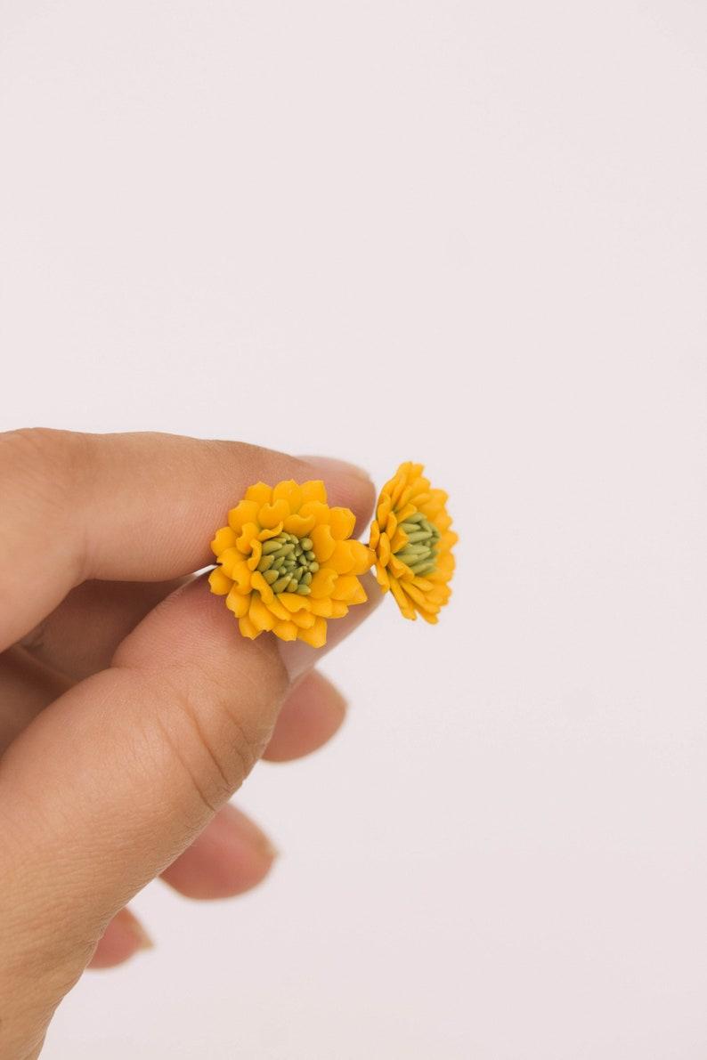Dahlia Post Earrings Yellow green Dahlia Earrings Botanical Jewelry Dahlia Blossoms Green yellow Sunflower Earrings Chrysanthemum Stud