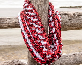 Wisconsin Badgers winter cowl scarf / red, black and white cowl / chunky winter cowl / Nebraska Cornhuskers / NC State Wolfpack / Utah Utes