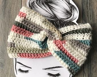 Women's winter headband // winter headband // winter headwear // winter earwarmer // messy bun headband // ponytail headband //Ready to ship