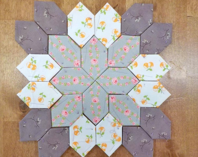 Lucy Boston Patchwork of the Crosses summer cottage block kit #30