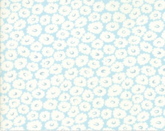 Fleurs Bluebell 18636 11 by Brenda Riddle for moda fabrics