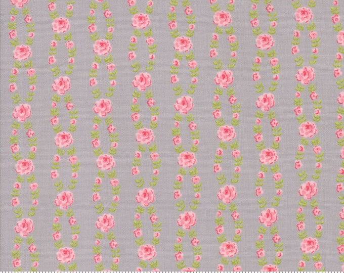 Fleurs Pebble 18634 16 by Brenda Riddle for moda fabrics