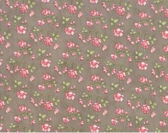 Rue 1800 44225-14 Cobblestone floral by 3 Sisters for Moda Fabrics