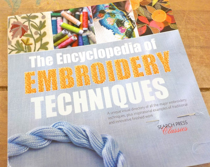 The Encyclopedia of Embroidery Techniques by Pauline Brown...Search Press Classics