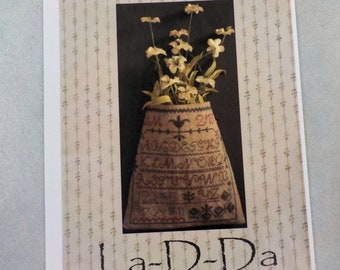 A Pocket for Posies by La-D-Da...cross stitch pattern