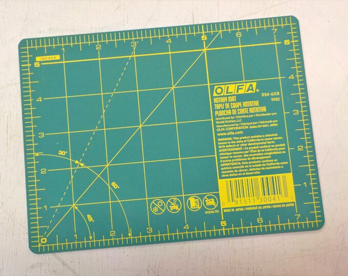 Olfa mini mat...5 1/2 x 7 1/2 inches...travel mat, EPP mat, small mat
