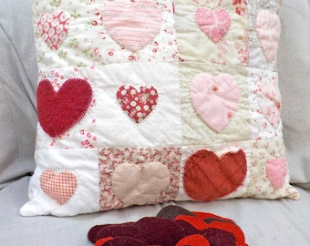 Cottage Hearts pillow pattern...Valentine's Day pillow, cottage style pillow