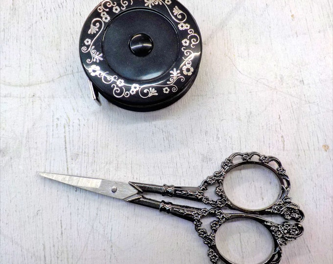 Classic Embroidery gift set...scissors and measuring tape, black, silver, gift box
