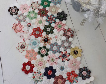Sugared Hexagons...designed by April Zimmer for Sweetwater Cotton Shoppe...EPP, English Paper Piecing, Hexagons, Christmas Quilt kit