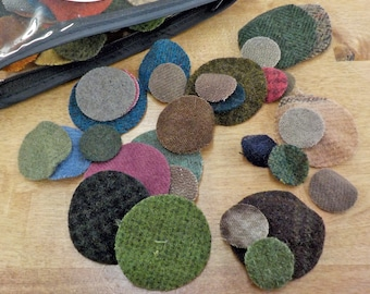 In the Patch...wool pennies...1 inch, 1 1/2 inch, 2 inch...72 total laser cut pennies...dark pack
