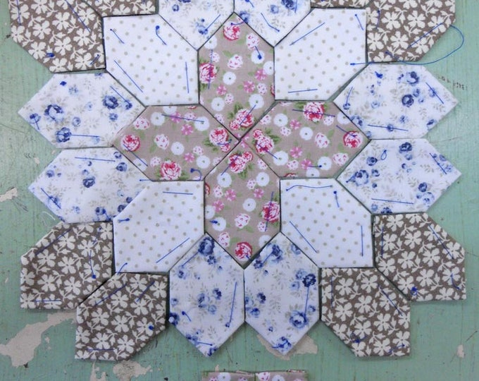 Lucy Boston Patchwork of the Crosses summer cottage block kit #21