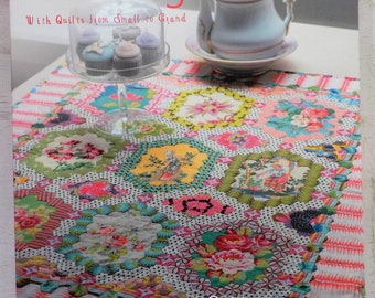 Feathering the Nest 3 with Quilts from Small to Grand by Brigitte Giblin for Quiltmania