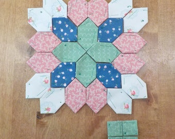 Lucy Boston Patchwork of the Crosses summer cottage block kit #40