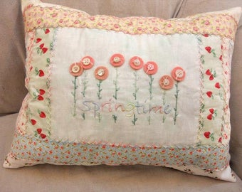 PDF Springtime pillow pattern designed by Mickey Zimmer