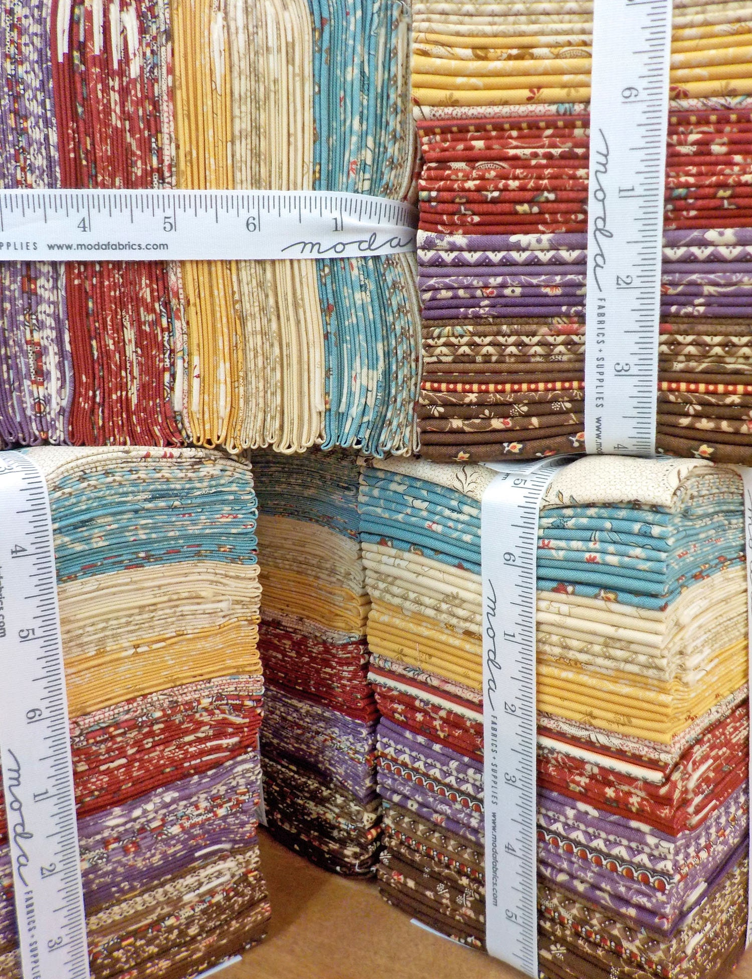 Susanna/'s Scraps 38 Fat Quarter Bundle by Betsy Chutchian for Moda Fabrics