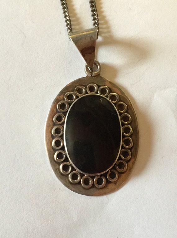 925 Sterling Silver Oval Black Onyx Necklace lot 8