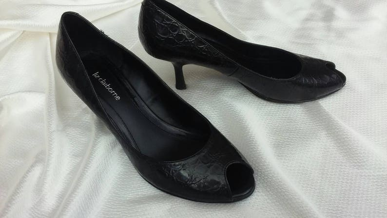 8a0be123d552f Black peep-toe pumps heels alligator embossed leather curvy retro heel  vintage 1980's for your 1950's rockabilly costume size 8