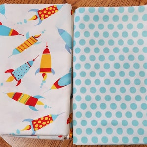 Quiltsy Destash Party SALE Coordinating Cotton Fabric Quilt Kit 4 Yards Rocket Ships and Polka Dot Cotton Fabric Quilt Kit