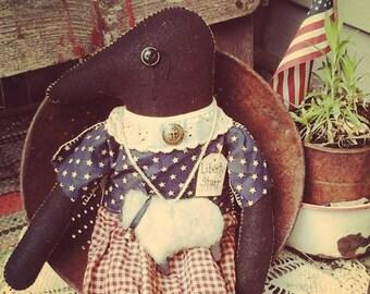 PRIMITIVE CROW RaG DOLL~ Primitive Doll Decor~ Primitive Art Dolls~ Folk Art Doll~ Sheep~ Americana 4th of July Doll~ OOaK~Crow Shelf Sitter