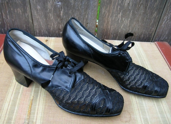Vintage 40/'s GRANNY ROCKS Black Leather and Lace Oxfords