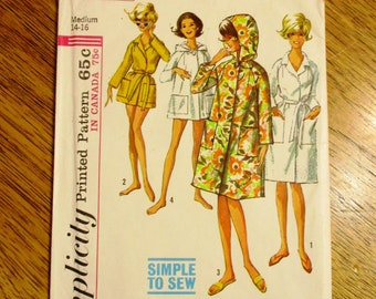 1960s Simple to Sew Hooded Robe 2c6376e88
