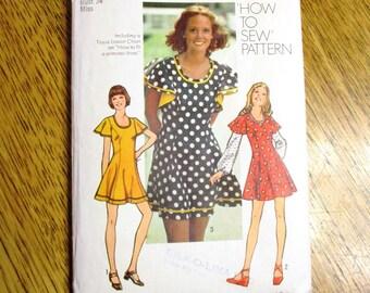 fa08822807d BOHO 1970s Princess Seamed Dress w/ Flutter Sleeves, SEXY Mini Dress - Size  12 (Bust 34