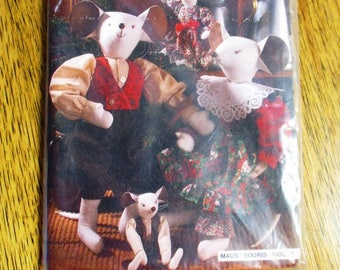 """VICTORIAN Soft Sculpture Mouse Doll w/ Cute Steampunk Clothing (2 Sizes - 21-3/4"""" & 10"""") - UNCUT Sewing Pattern Burda 4225"""