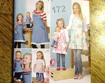 """Matching Mother, Daughter & 18"""" Doll Kitchen Aprons / Bibbed Apron Pattern (Mothers Day Gift) - UNCUT ff Sewing Pattern Simplicity 1240"""