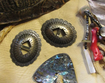 Tiny OVAL Conchos / Western EARRING Findings - 10 pcs - Antique Brass - Native American / Western Craft Supply