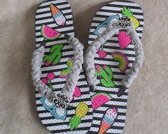 Summer Fun Flip Flop Sandals: crochet gray t-rope with deco-button