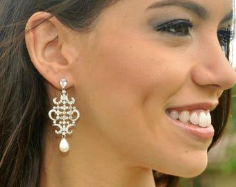White Crystal Wedding Earrings Pearl Bridal Earrings Teardrop Bride Earrings Cubic Zirconia Wedding Jewelry Bridesmaid Gift Teardrop Pearls