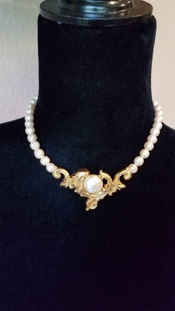 Pearl choker vintage