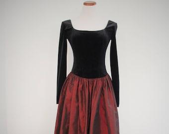 1980s Prom Dress Maroon Taffeta Velvet Gothic Boning Jessica McClintock Fit    Flair Womens Vintage Medium fde1f9e1d