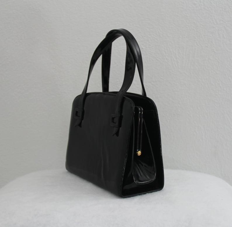 bd3b256e4099 1960s Bienen Davis Black Patent Leather Purse Small Square Top