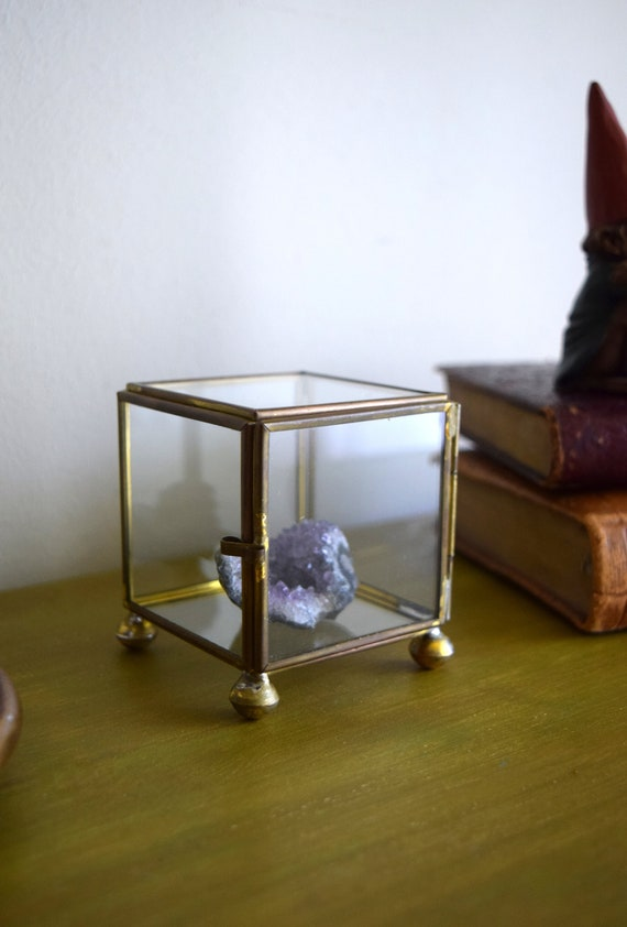 Small Vintage Glass Curio Display Box - perfect to display tiny crystals or baubles
