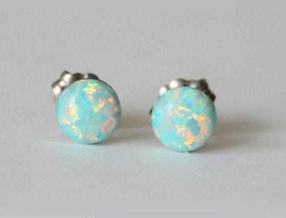 UK SELLER Mint Green Opal Engraved Star Sterling Silver Stud Earrings 6mm