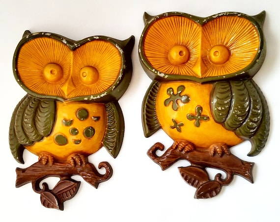 Set of 2 Vintage Metal Owl Wall Plaques in Yellow and Green by Sexton