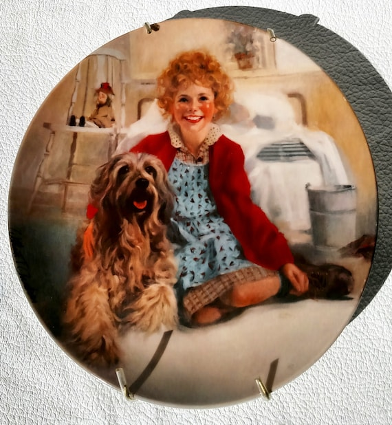 Vintage 1982 Little Orphan Annie Collectible Plate by Knowles Fine China