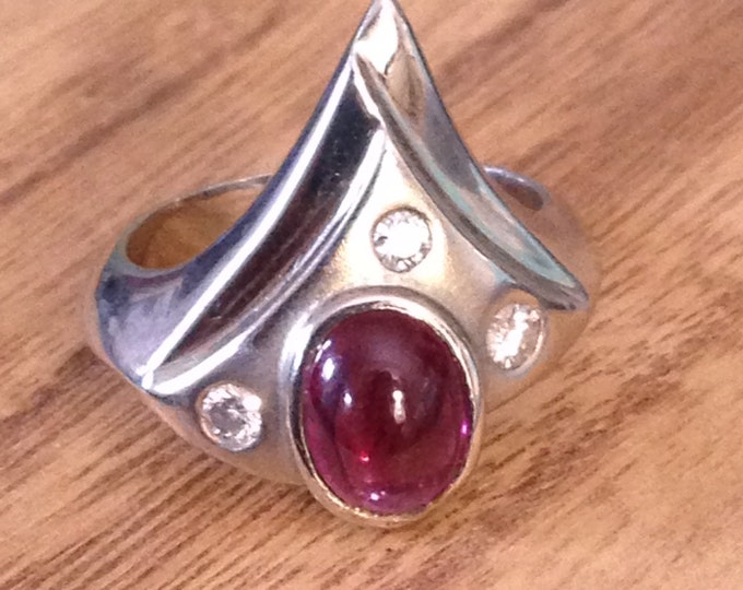 14k Gold, Garnet, Diamond Ring size 5.75 modern abstract mountains or sea