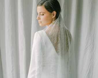 allover lace veil, wedding veil with lace fabric, lace bridal veil - Promesse Style 21037