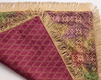 Golden Rainbow Spread Cloth