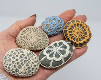 Crochet Stone Pattern, DIY, Lace Stone Cover Pattern, Rock Cozy Pattern, Five Pebbles, Beach house decor, Tabletop decor, bowl element