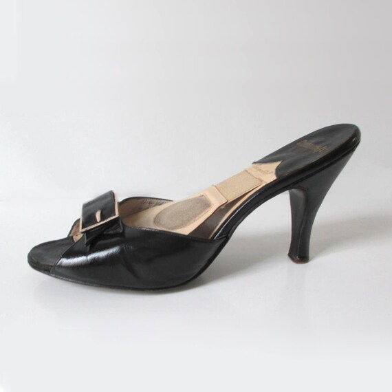 Vintage 50s Black & Gold Buckle Springolator Heels